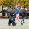 Rollz Motion Performance Grün - Rollstuhl Rollator - Am Rollator laufen
