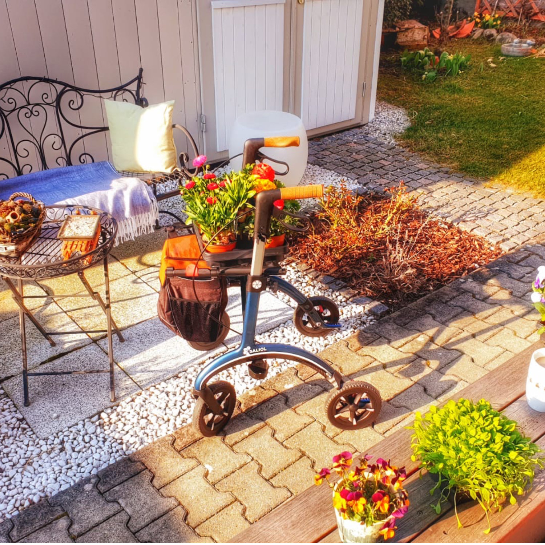 Carbon Rollator Gartenhilfe