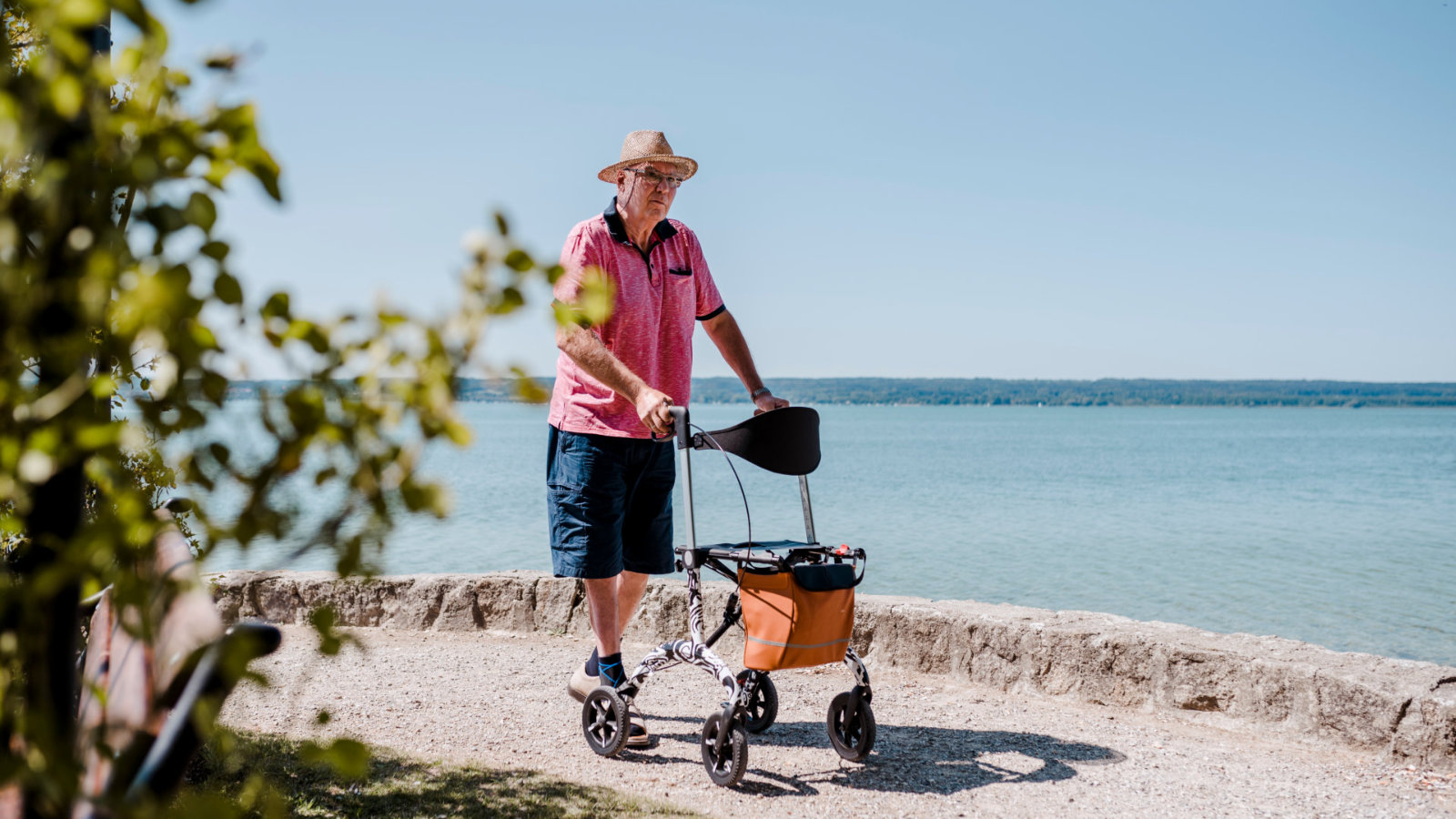 Carbon Rollator - motivator - walk at ammersee