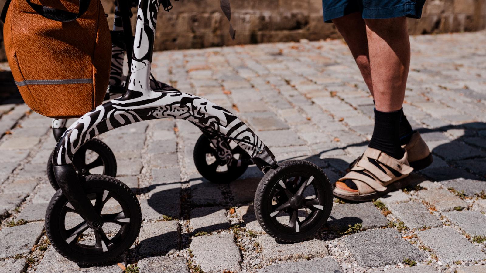 wheels Carbon Rollator