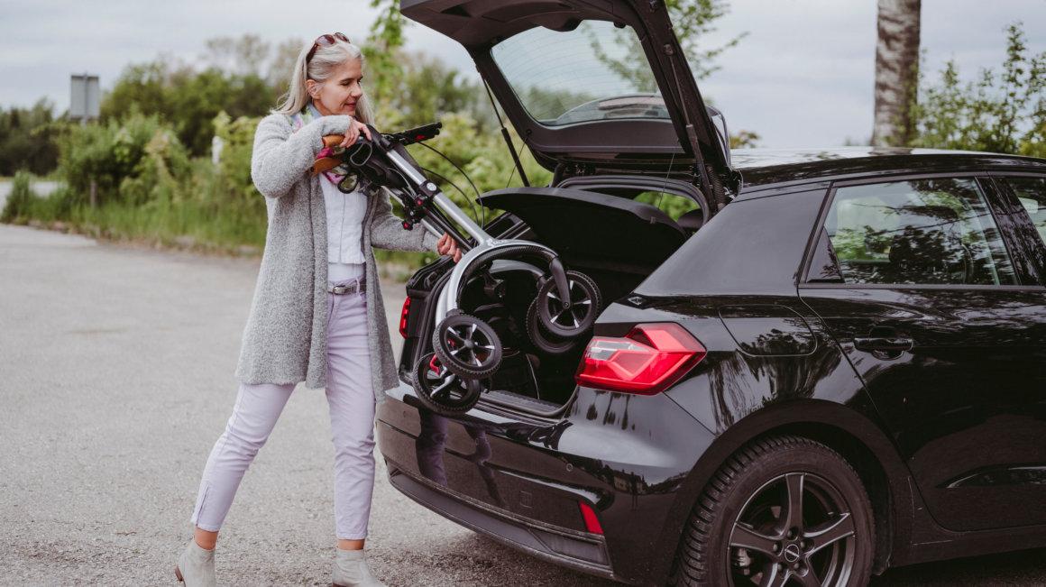 Carbon Rollator - Zusammenklappen für den Transport im Auto