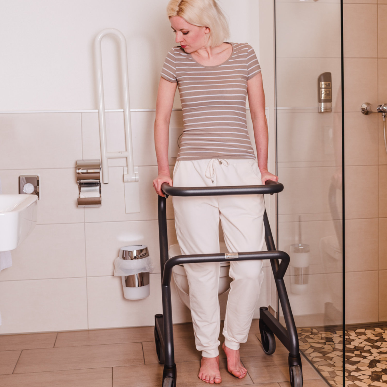 Wohnraumrollator Page Toilette