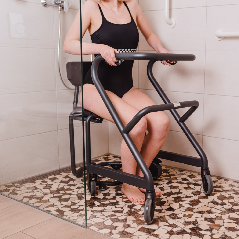 Wohnraumrollator Page Dusche