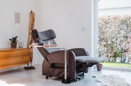 Club2 Riser Chair Gray - lean back