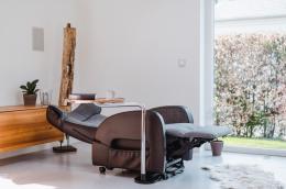 Club2 Riser Chair Gray - lie