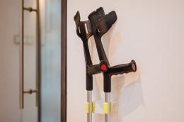 Komplettset Held  - Magnetstockhalter Neongelb - an der Wand